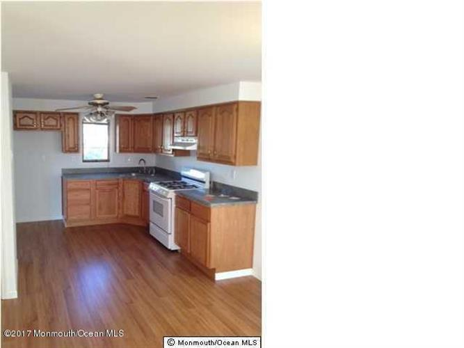 20 Seaview Avenue, Keansburg, NJ - USA (photo 2)