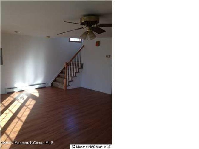 20 Seaview Avenue, Keansburg, NJ - USA (photo 4)