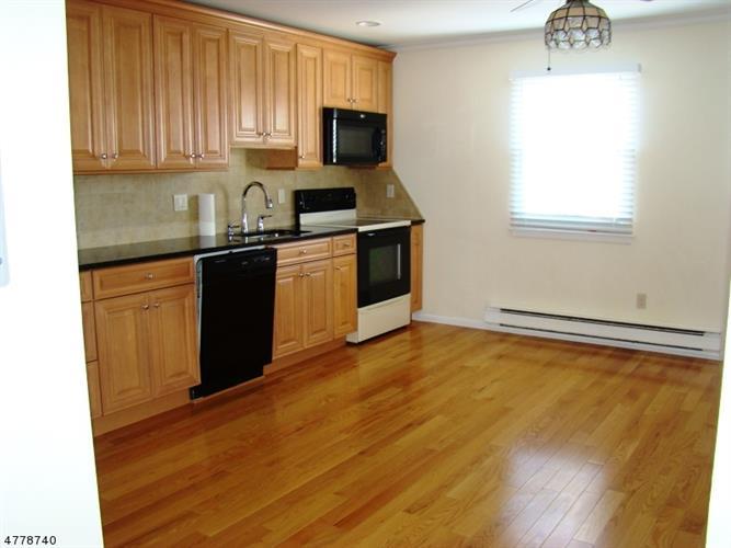 580 Bloomfield Ave, 18-a 18a, West Caldwell, NJ - USA (photo 1)