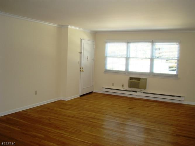 580 Bloomfield Ave, 18-a 18a, West Caldwell, NJ - USA (photo 2)
