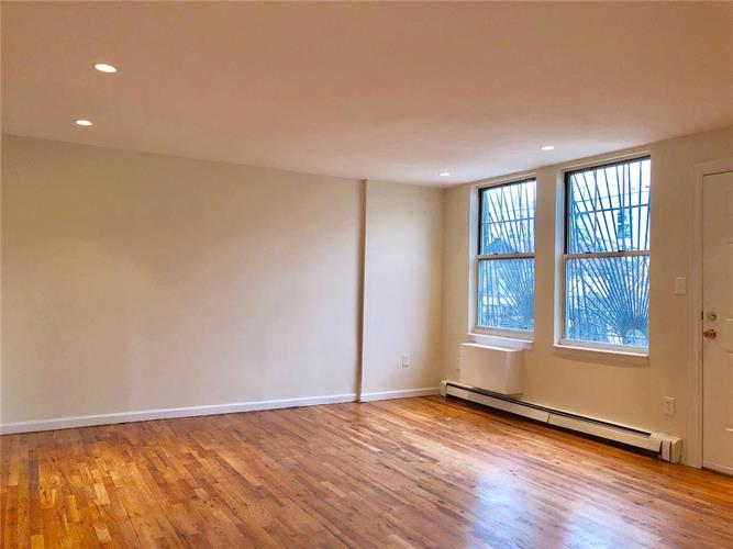 465 East 144th Street 2, Bronx, NY - USA (photo 3)
