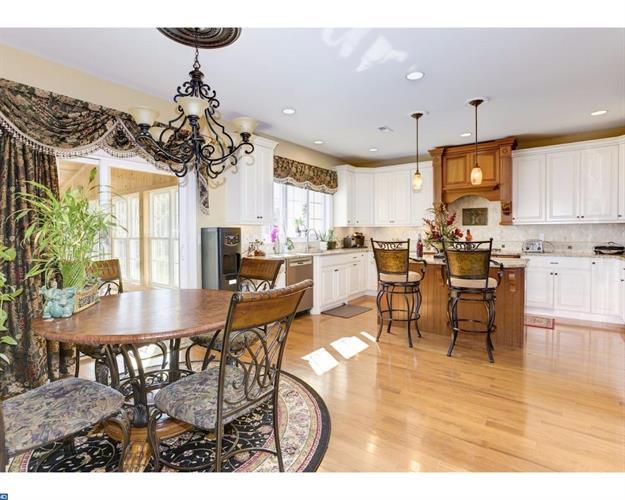 625 Winchester Rd, Huntingdon Valley, PA - USA (photo 5)