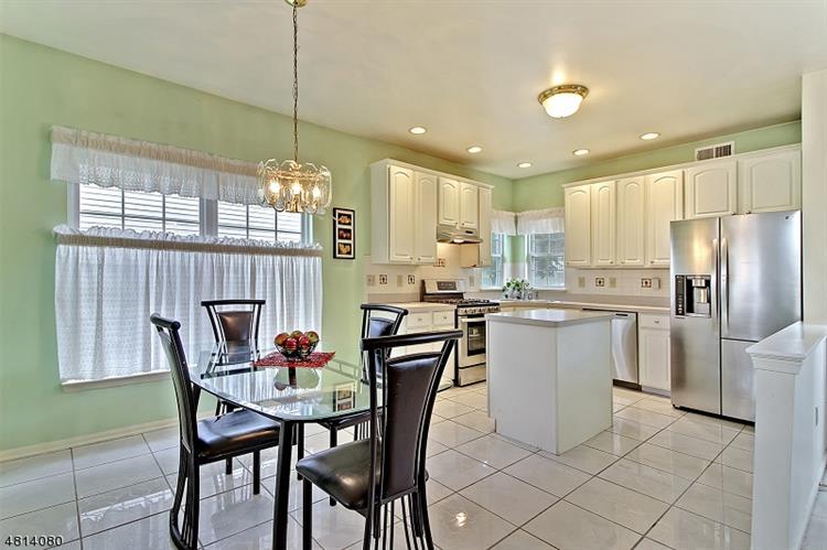 481 Vanderveer Rd, Bridgewater, NJ - USA (photo 5)