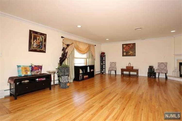 234 Farnham Avenue, Unit B B, Lodi, NJ - USA (photo 4)