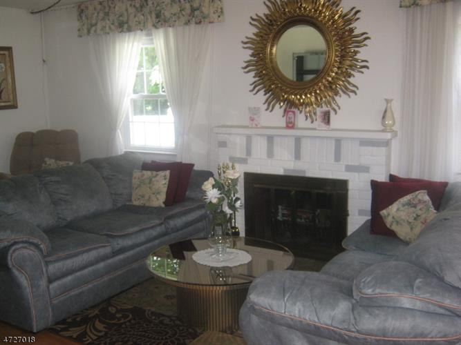 7 Darling Ave, Bloomfield, NJ - USA (photo 4)