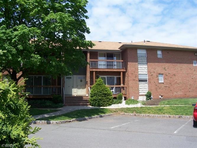 32 Deanna Dr, Apt 66, Hillsborough, NJ - USA (photo 1)