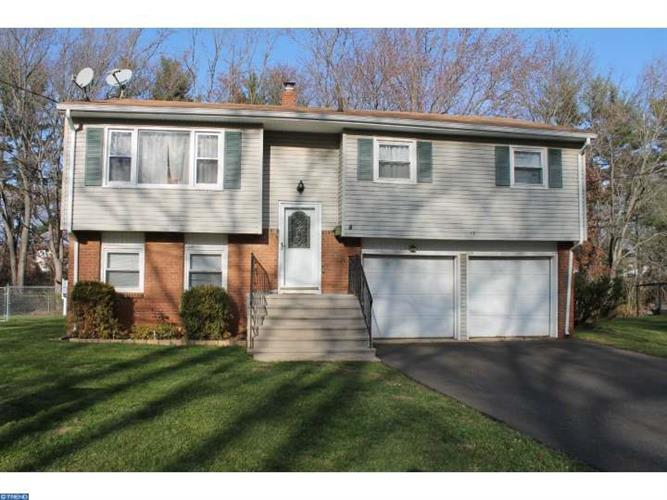 12 Hagemount Ave, Hightstown, NJ - USA (photo 1)