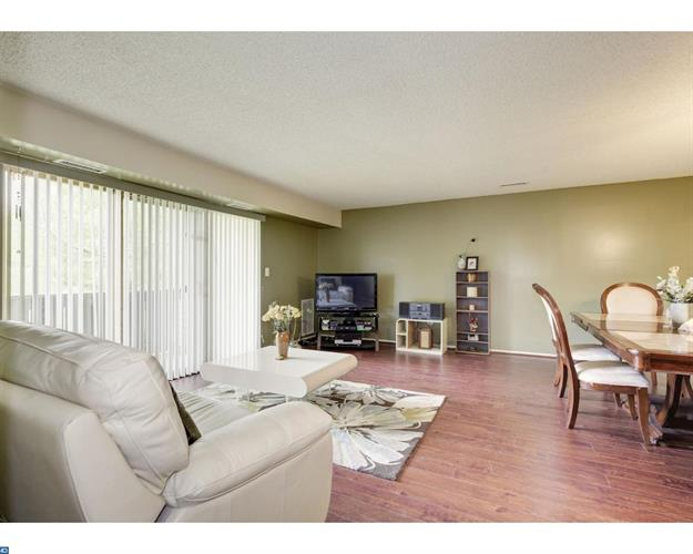 403 Aspen Dr, Plainsboro, NJ - USA (photo 5)