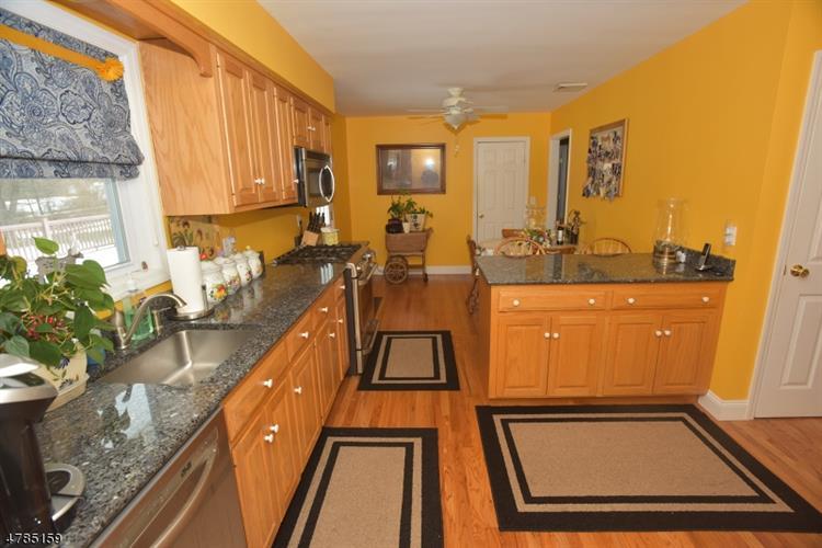 627 Whiton Rd, Branchburg, NJ - USA (photo 3)