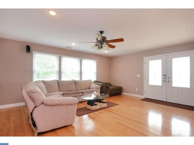 40 George Davison Rd, Cranbury, NJ - USA (photo 2)