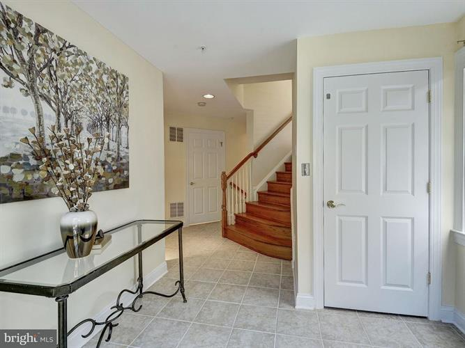 12122 Kinsley Place, Reston, VA - USA (photo 4)