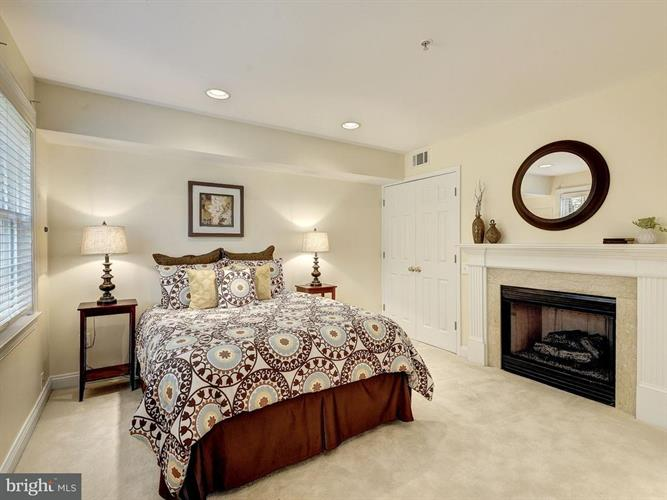 12122 Kinsley Place, Reston, VA - USA (photo 5)