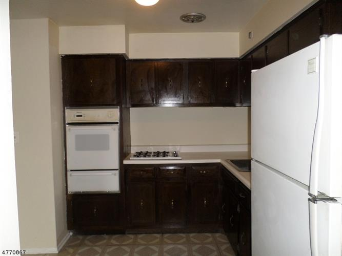378 Hoover Ave, Unit 150, Bloomfield, NJ - USA (photo 3)
