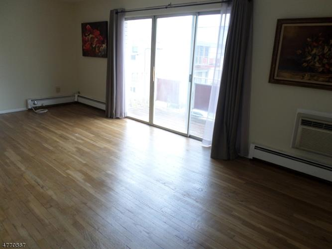 378 Hoover Ave, Unit 150, Bloomfield, NJ - USA (photo 5)