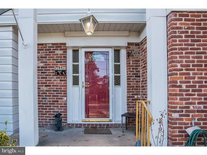 2111 Chestnut Hill Drive, Cinnaminson, NJ - USA (photo 3)