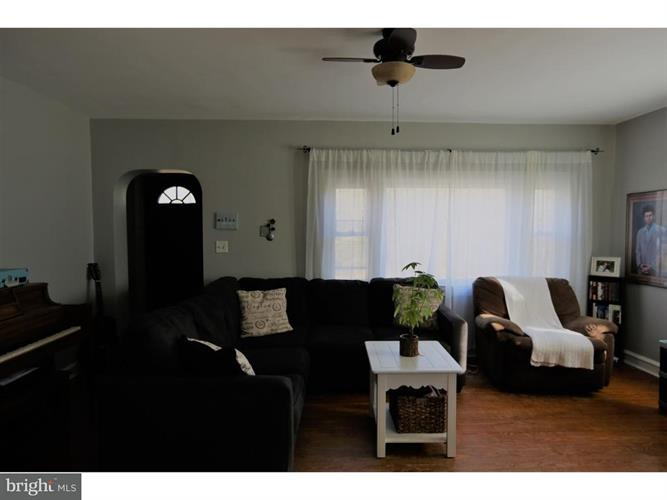 48 Clementon Rd W, Gibbsboro, NJ - USA (photo 2)