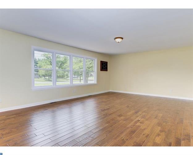 500 Manor Rd, Cinnaminson, NJ - USA (photo 5)