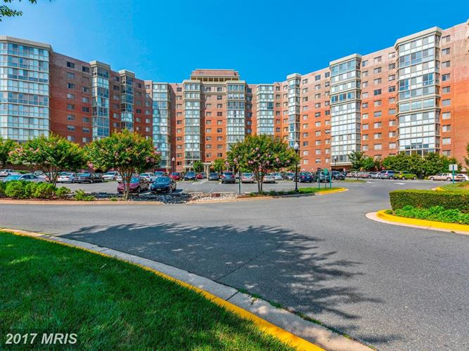 3100 Leisure World Blvd N #401, Silver Spring, MD - USA (photo 2)