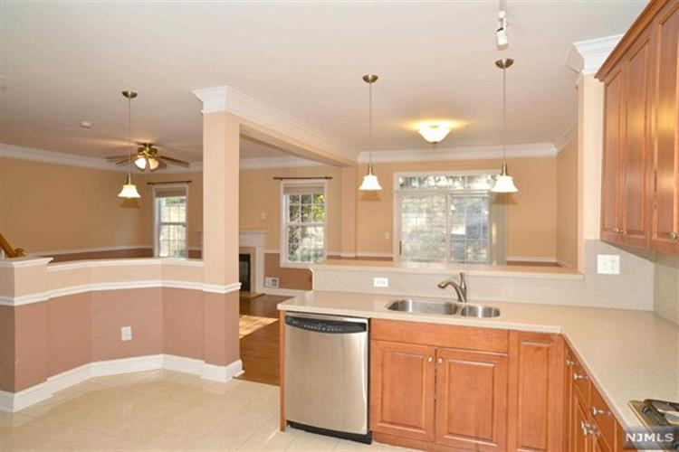 102 George Russell Way, Clifton, NJ - USA (photo 3)