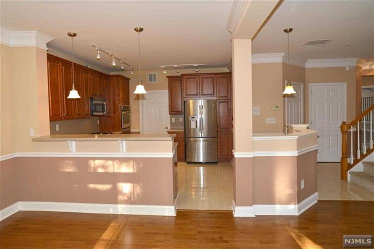 102 George Russell Way, Clifton, NJ - USA (photo 5)