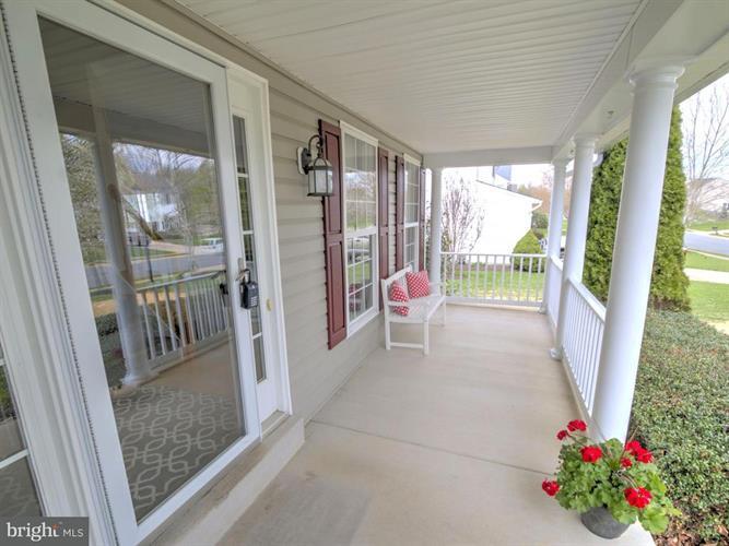 621 Wooden Bridge Drive, Purcellville, VA - USA (photo 2)