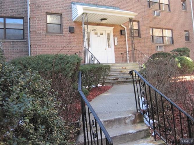 214 Prospect Avenue, Unit 4b 4b, Hackensack, NJ - USA (photo 1)