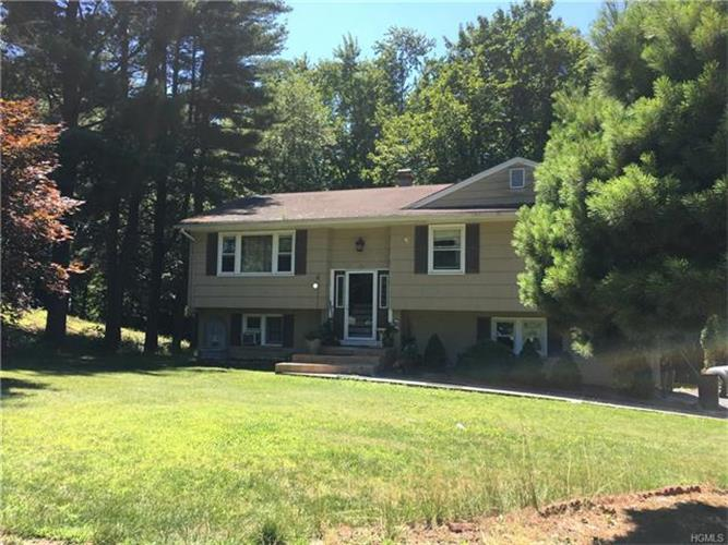 14 Castle Drive, Spring Valley, NY - USA (photo 1)