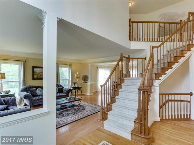 6705 Bunkers Ct, Clifton, VA - USA (photo 3)