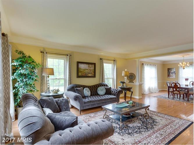 6705 Bunkers Ct, Clifton, VA - USA (photo 4)