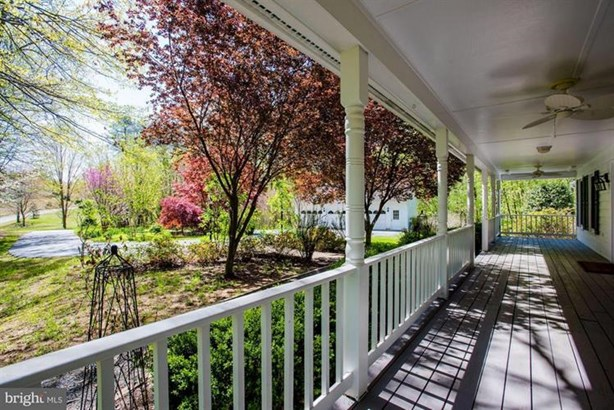 8104 Flossie Lane, Clifton, VA - USA (photo 3)