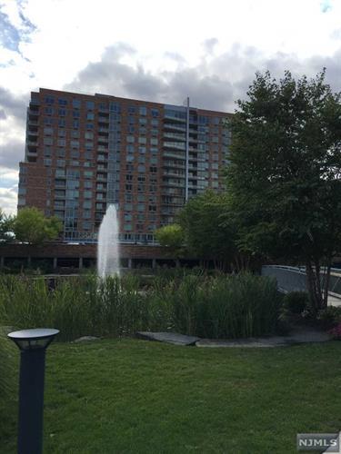 1617 Hudson Park, Edgewater, NJ - USA (photo 1)