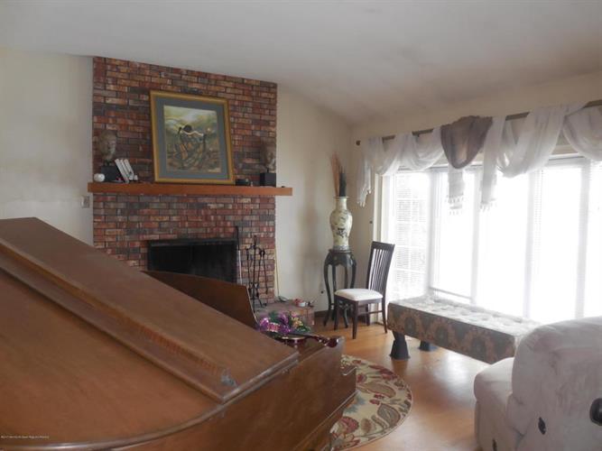 148 Elton Avenue, Yardville, NJ - USA (photo 5)