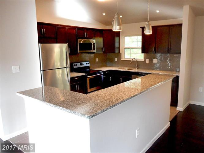 626 Opus Ave, Capitol Heights, MD - USA (photo 2)