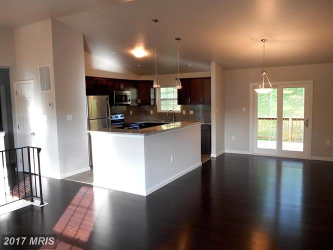 626 Opus Ave, Capitol Heights, MD - USA (photo 3)