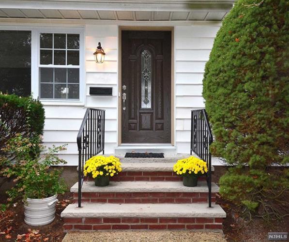 74 Harding Ave, Dumont, NJ - USA (photo 4)