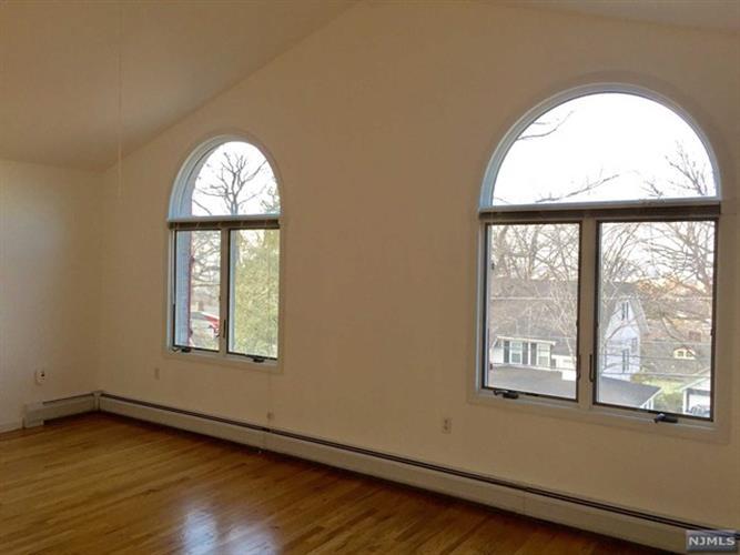 560 Studio Road, Unit #2nd 2nd Floo, Ridgefield, NJ - USA (photo 3)