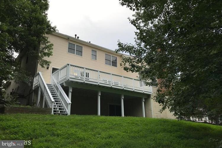 1703 Broadfield Lane, Vienna, VA - USA (photo 3)