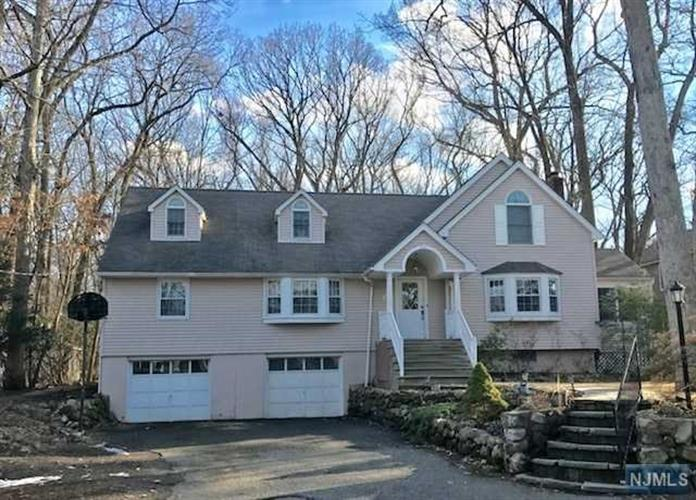493 Pines Lake Drive, Wayne, NJ - USA (photo 1)