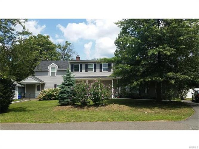 8 Mansfield Place, Suffern, NY - USA (photo 2)