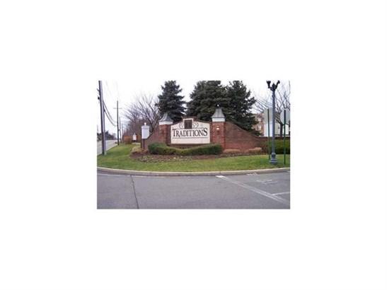 524 Coppola Drive 524, South Plainfield, NJ - USA (photo 1)
