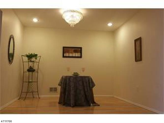 39 Knox Ct, Plainsboro, NJ - USA (photo 5)