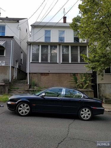 141 N 2nd St, Paterson, NJ - USA (photo 1)