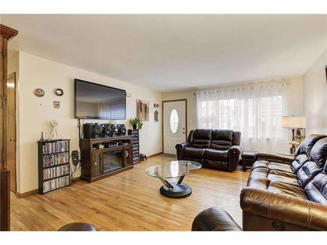 1050 Thayer Avenue, Avenel, NJ - USA (photo 3)