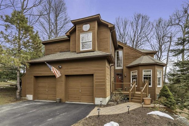 4 Maurerbrook Dr, Fishkill, NY - USA (photo 1)