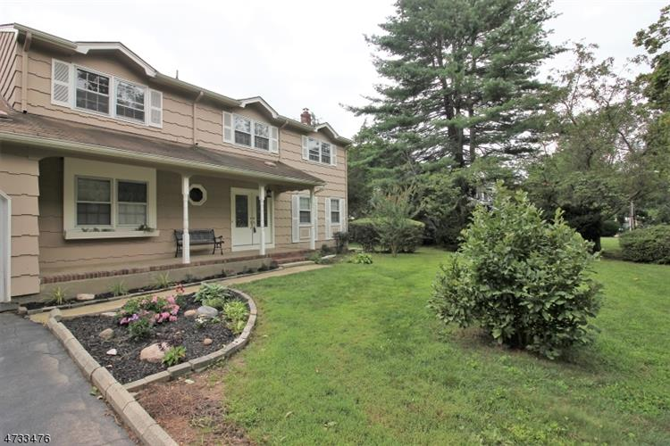 85 Tall Oaks Dr, East Brunswick, NJ - USA (photo 2)