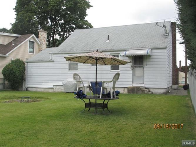 206 Bennington Ct, Clifton, NJ - USA (photo 4)