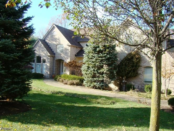 9 Brentwood Dr, North Caldwell, NJ - USA (photo 1)