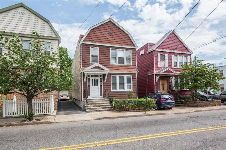 318 Garfield Ave, Jersey City, NJ - USA (photo 1)