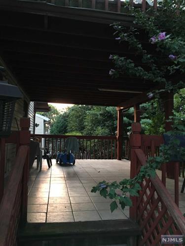 18 Orchard St, Ridgefield Park, NJ - USA (photo 4)