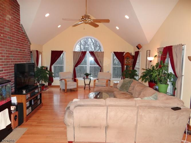 18 Old Hill Rd, Flemington, NJ - USA (photo 2)
